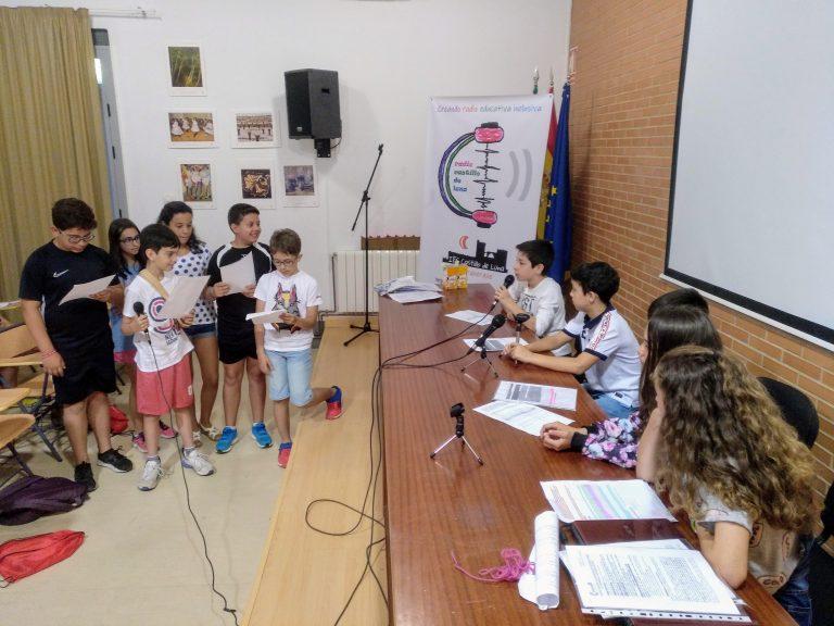 programa de radio bienvenida a los chicos de los colegios